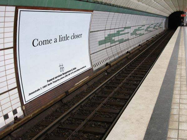 metro-reklam-come-a-little-closer