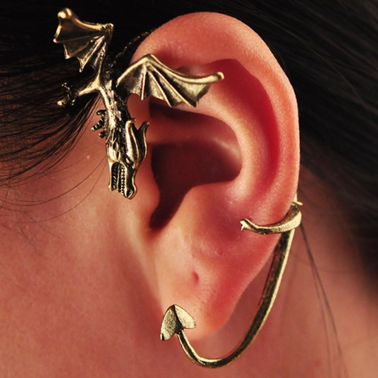 Her gen k z n r yas ejderha k pe egonomik - Game of thrones dragon ear cuff ...